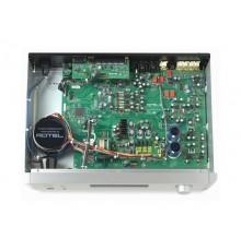 Rotel RC-1572 preamplificatore stereo interno